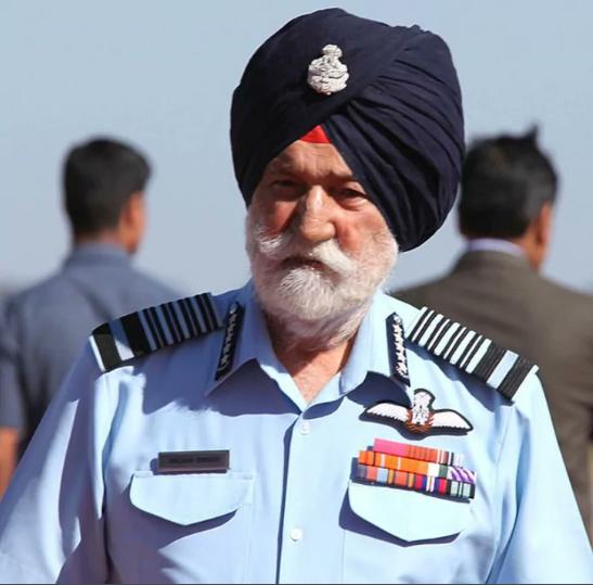 Marshal of Air Force Arjan Singh Takes Off on Last Flight.